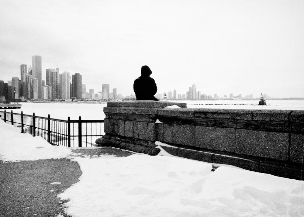 chicago_pier_winter_person.jpg