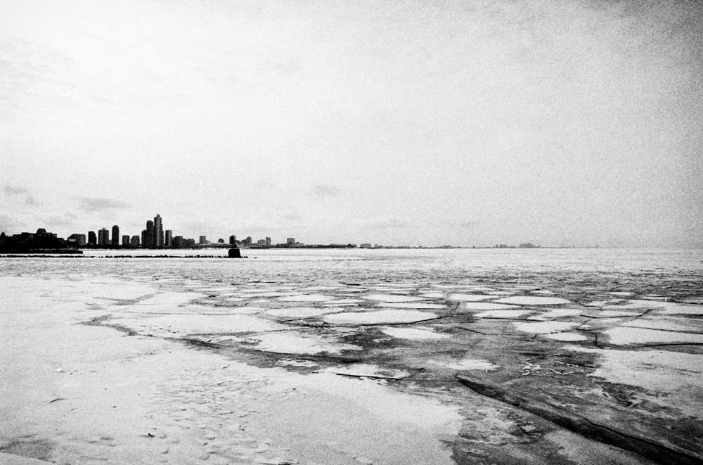 chicago_ice_lake_city_winter.jpg