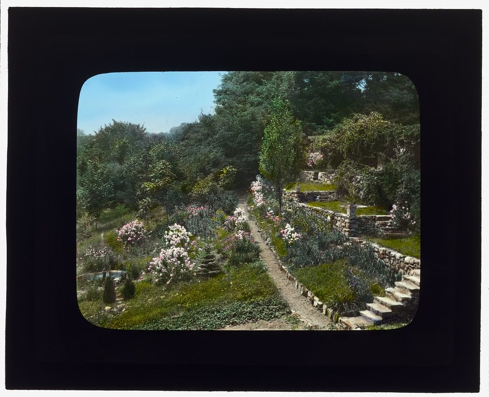 "Photograph by Frances Benjamin Johnston of ""Fenimore,"" James Stetson Metcalfe house, Bedford Hills, New York. Hillside terracing to Lake Maria (1921). Library of Congress. LC-DIG-ppmsca-16310  https://www.loc.gov/resource/ppmsca.16310/"
