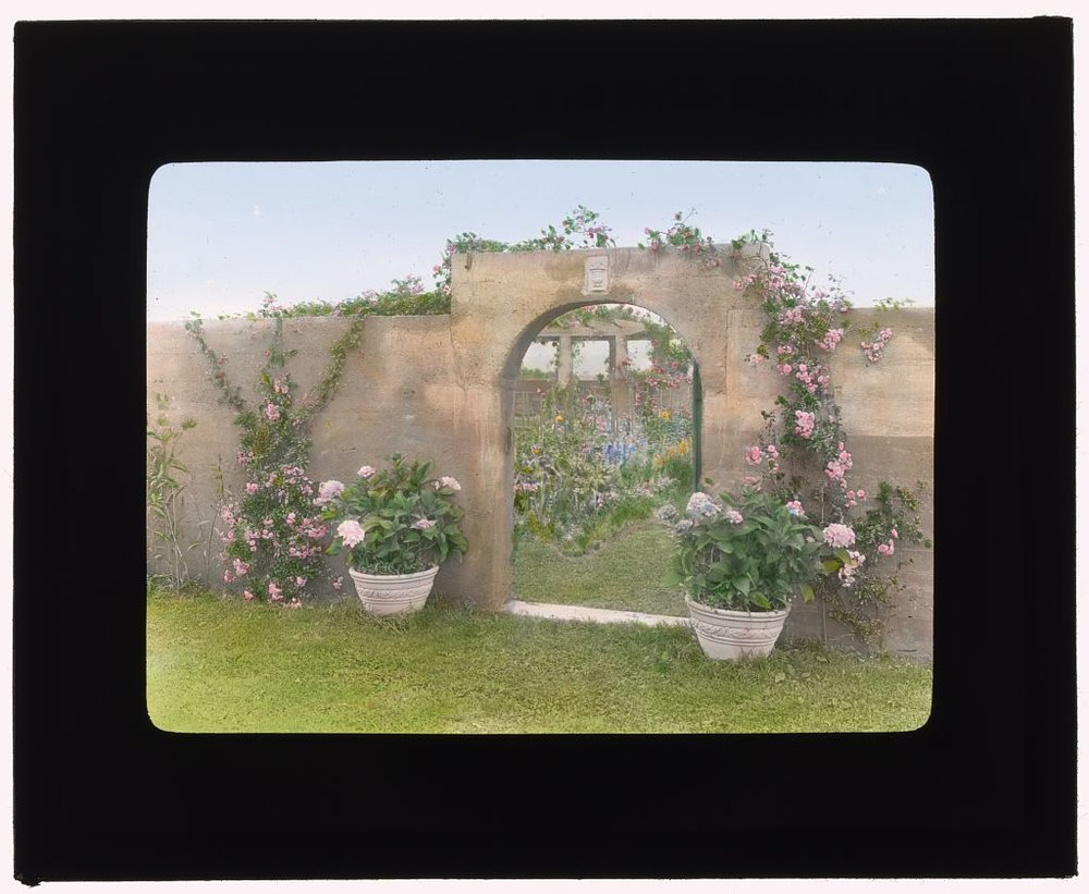 Photograph by Frances Benjamin Johnston of Grey Gardens, Robert Cramer Hill house, East Hampton, NY. Northeast gate to garden. ca 1914. Library of Congress. ppmsca 16859   http://hdl.loc.gov/loc.pnp/ppmsca.16859