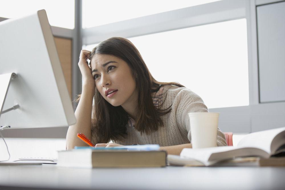 7. Nos estressamos... - O estresse pode ser mortal, aumentando o risco de problemas cardíacos e até câncer. O estresse pode levar à depressão, o que pode levar ao suicídio - ainda mais um comportamento destrutivo que é exclusivamente humano (e, evidentemente, não está nesta lista).