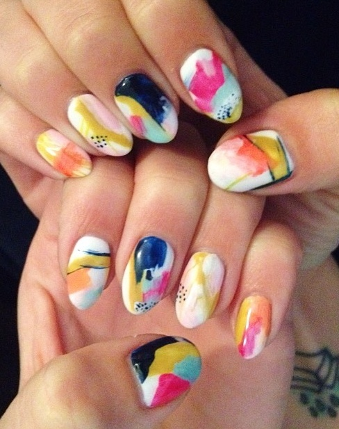 We loved seeing @at1stsightbk 's Navy Geo Inspired nails hand painted by @ciaomanhattan2012!