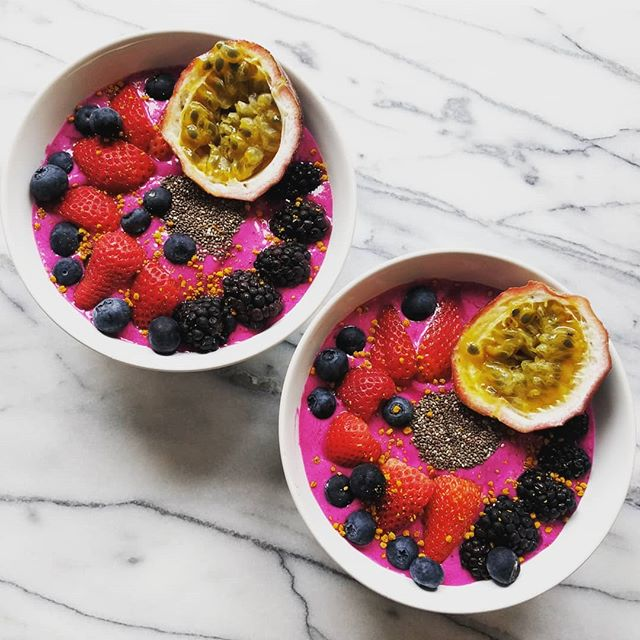 Ahh it's that time of year again! Smoothie bowl season has begun!!! 🤤😎🌞 I was in a very berry mood today so lots of those added to a pitaya smoothie. And of course a little indulgence with the passion fruit! I'm a HUGE fan of passion fruit. 🤤🤤🤤 Made with fresh NotMilk of course. 😁  #NotMilknyc #madewithNotMilk #smoothiebowl #nycfood #freshNotMilk #realfood #summertime #freshisbest