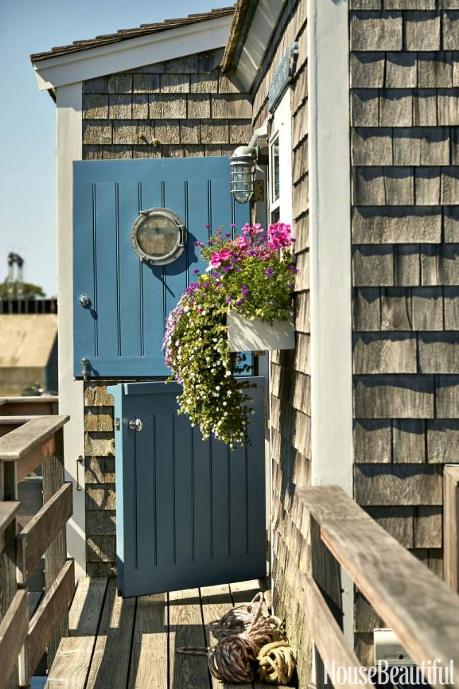 2-coastal-tiny-house.jpg