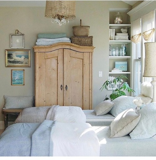DÉCOR: SWEET GUEST BEDROOMS -