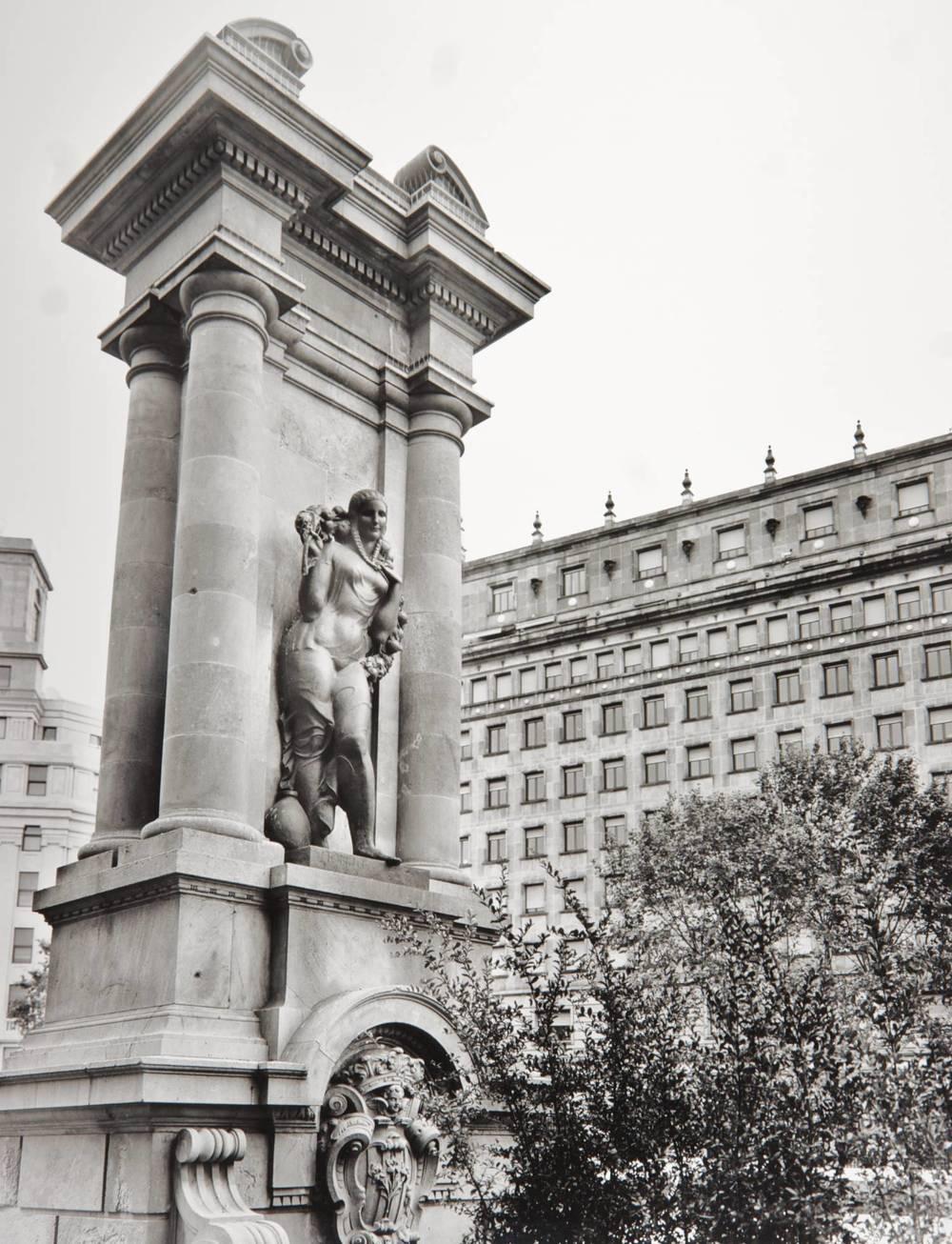 Statue (Plaça Catahunya, Barcelona, Spain)
