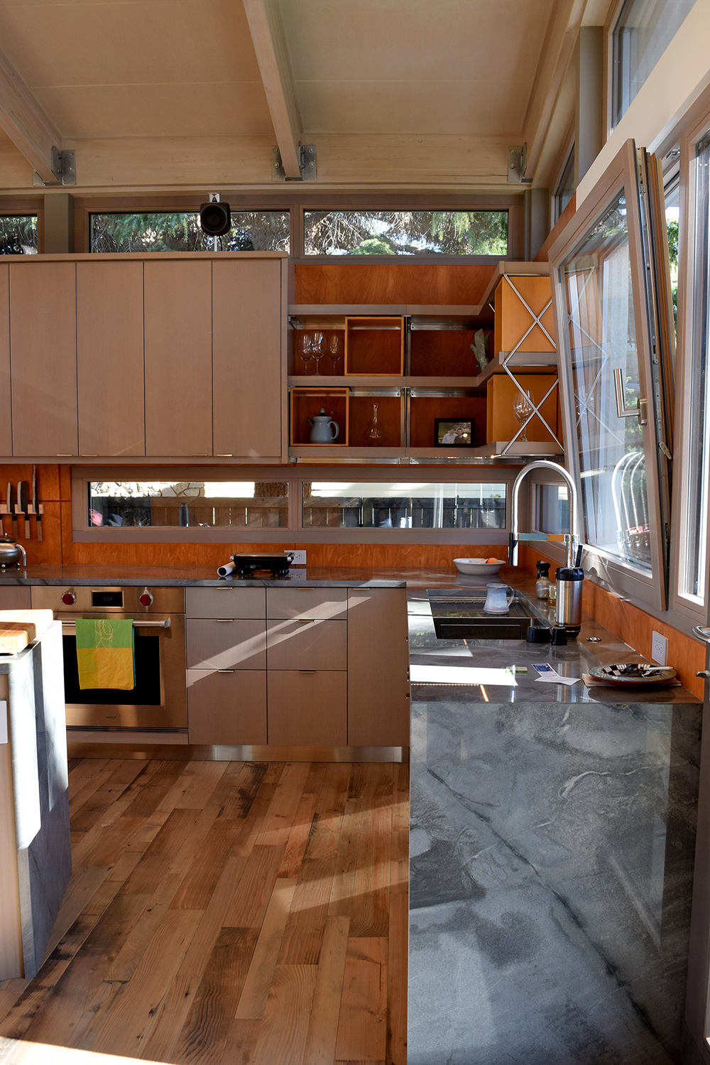 *gardner_31_CUSTOM STAINED FIR CABINETS  DSC_0676.jpg