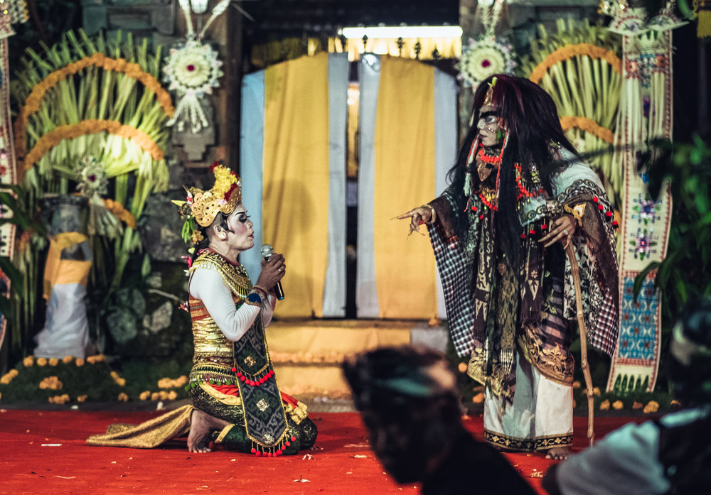 Ratna pleads with Dewi Durga for her mother