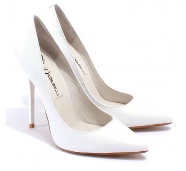 u6tl9q-l-610x610-shoes-white+high+heels-white+pumps-pumps-white-jeffrey+campbell-darling.jpg