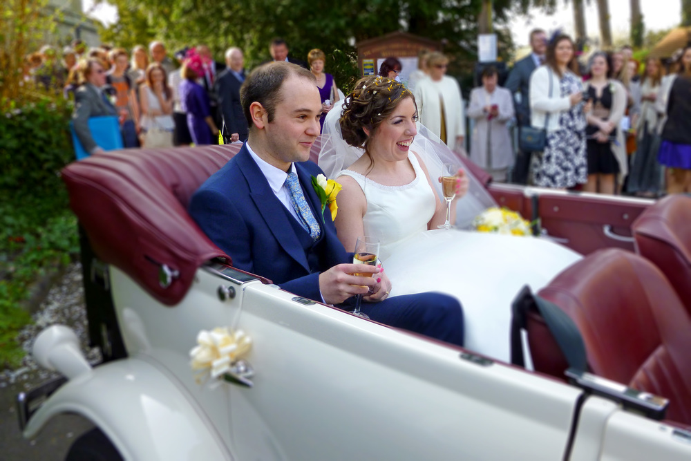 witherley-wedding-beauford-bride-groom-champagne-toast-leicestershire.jpg