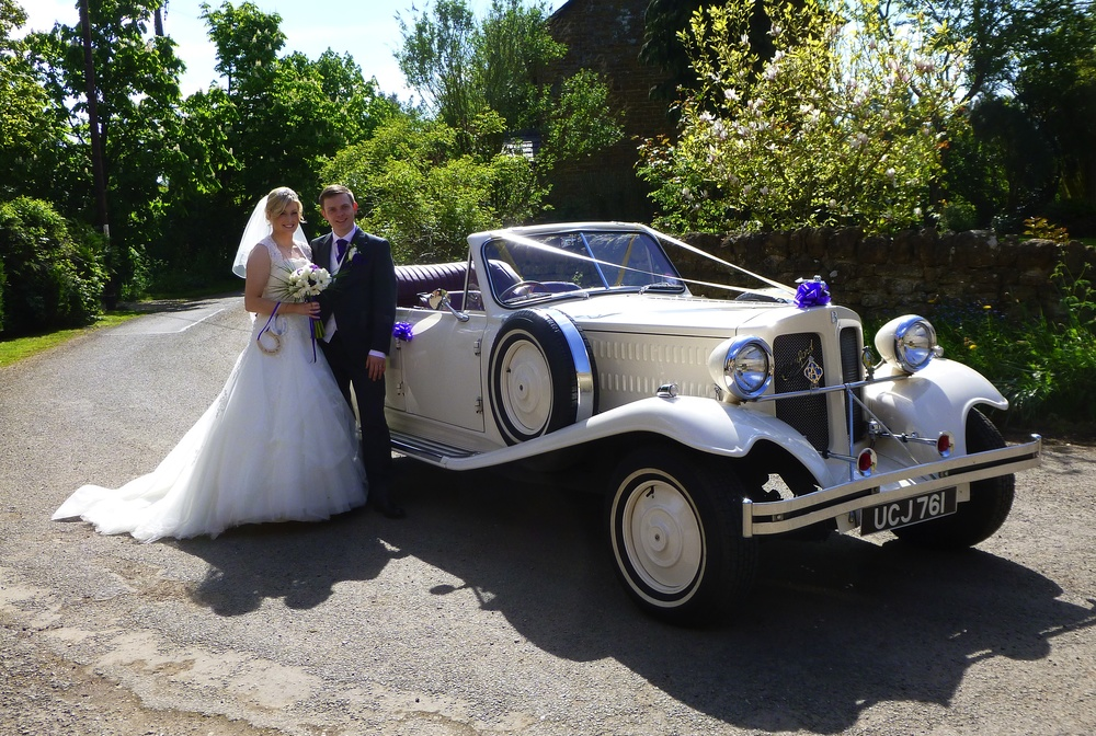 Amy and Michael didn't have the hood down all the way from Seagrave to Halstead! Just a couple of hundred yards, but perfect to arrive at Halstead House Farm for their reception.   www. halsteadhouse .co.uk