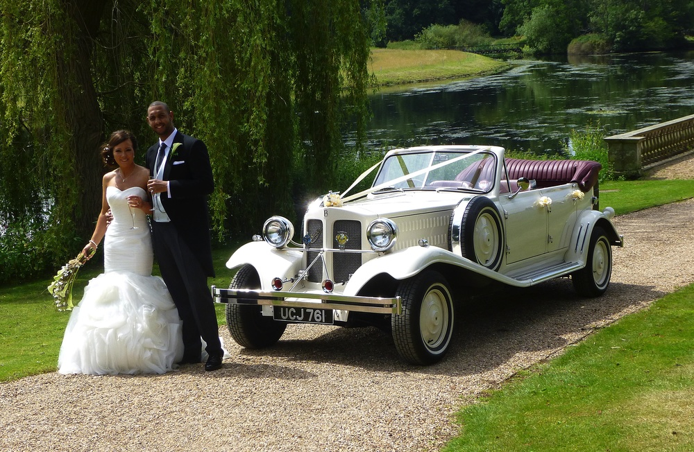 This is one of my favourite wedding locations. By the river Avon at Stoneleigh Abbey. www.stoneleighabbey.org