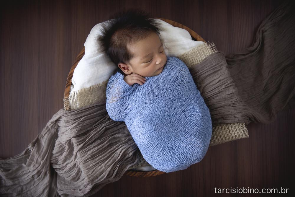 140830-Newborn-Pedro-0042-final.jpg