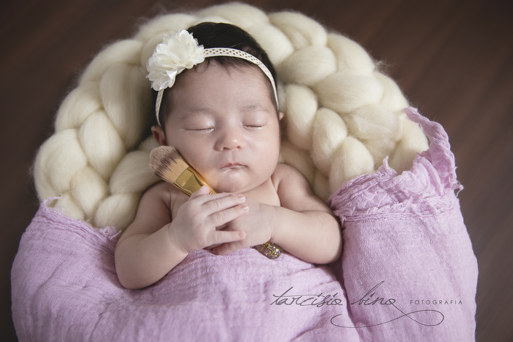 141026-Newborn-Valentina-0117-final-final.jpg