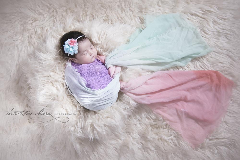 141026-Newborn-Valentina-0038-final-final.jpg