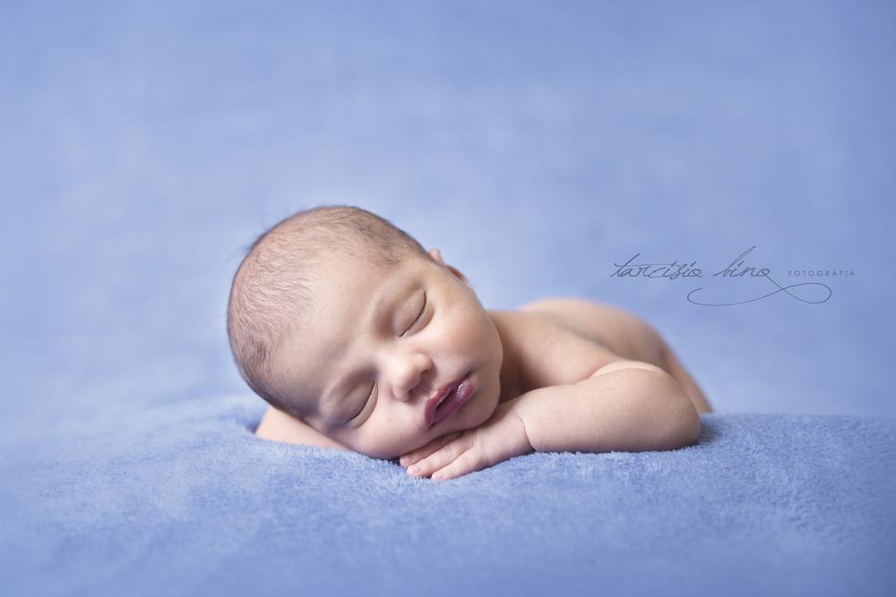 141115-Newborn-Eduardo-0201-final-final.jpg