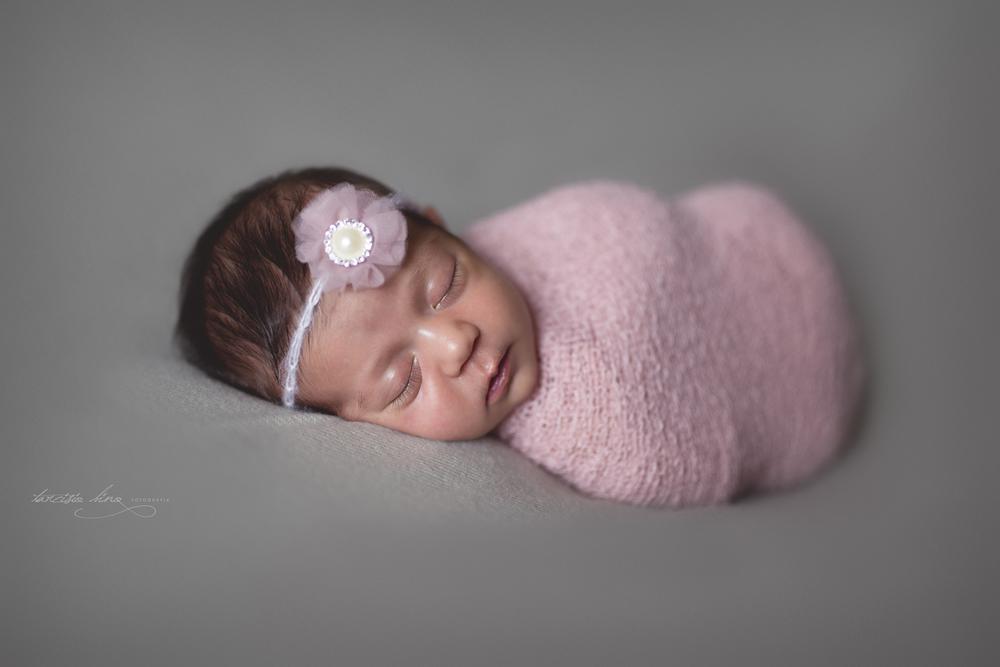 150212-Newborn-MariaPaula-0199-final-final.jpg