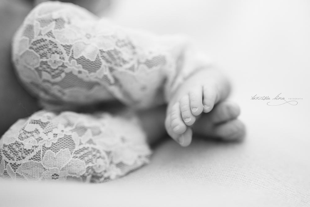 150212-Newborn-MariaPaula-0216-final-final.jpg