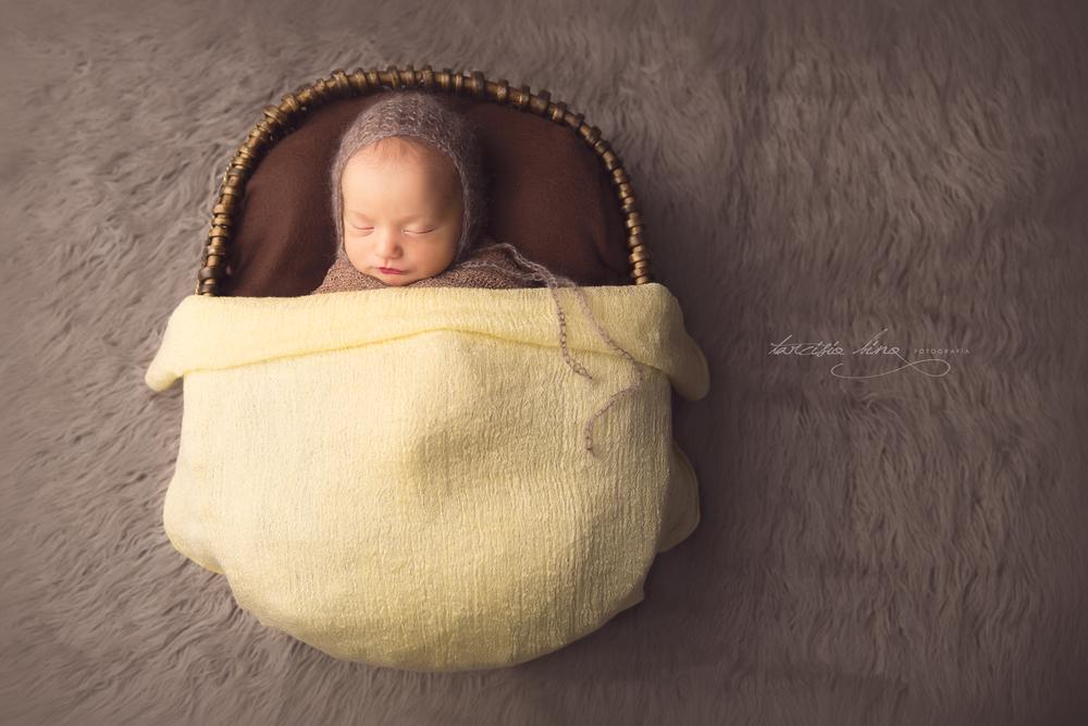 150410-Newborn-Antonio-0076-final-final.jpg