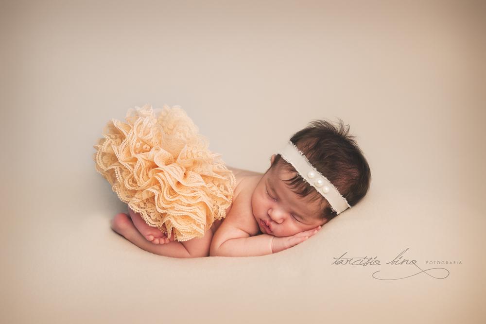 150628-Newborn-Julia-0228-final-final.jpg
