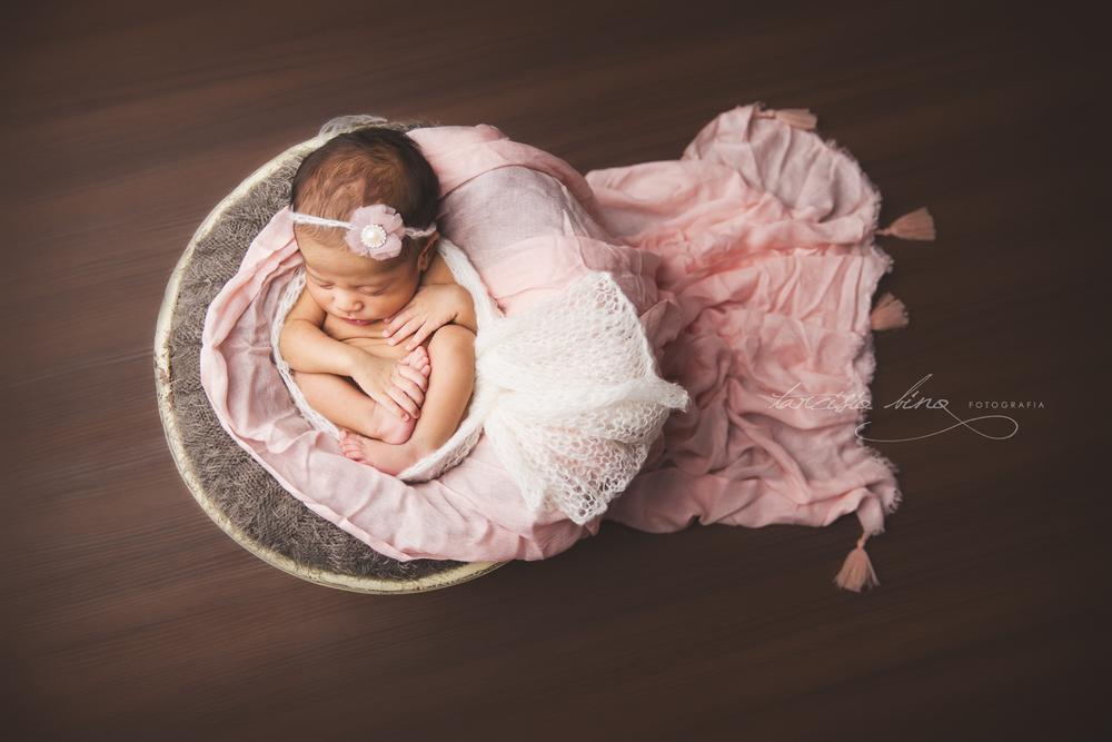 150705-Newborn-Adele-0114-final-final.jpg
