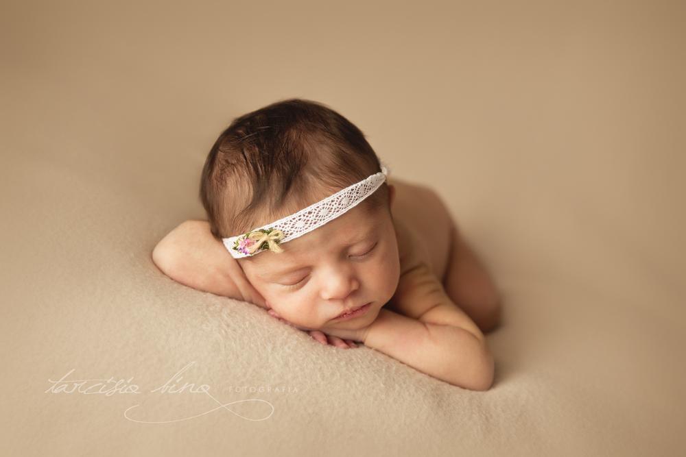 151130-Newborn-Maria-0417-final-final.jpg