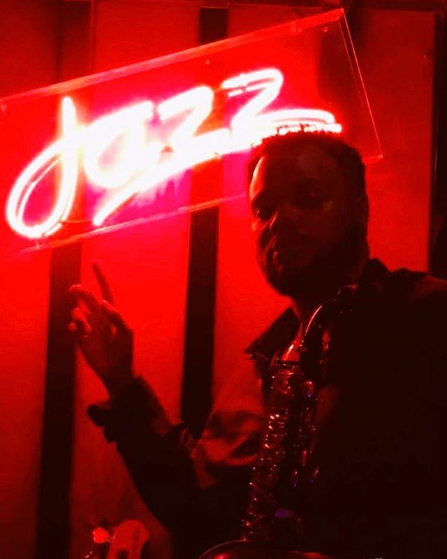 Red Light Special... #YourFavoriteSaxPlayer @bjonsax #JazzIsAFourLetterWord #BAM #Bahrain #LA #DC #Yanagisawa