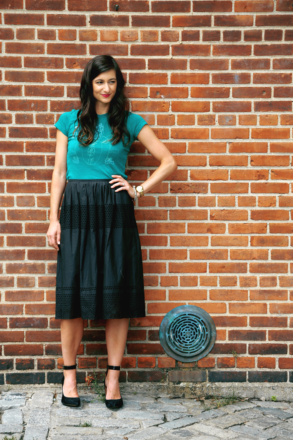 aa54283b72 Graphic Tee + Midi Skirt = Dressy Casual Perfection — Your Sunday Best