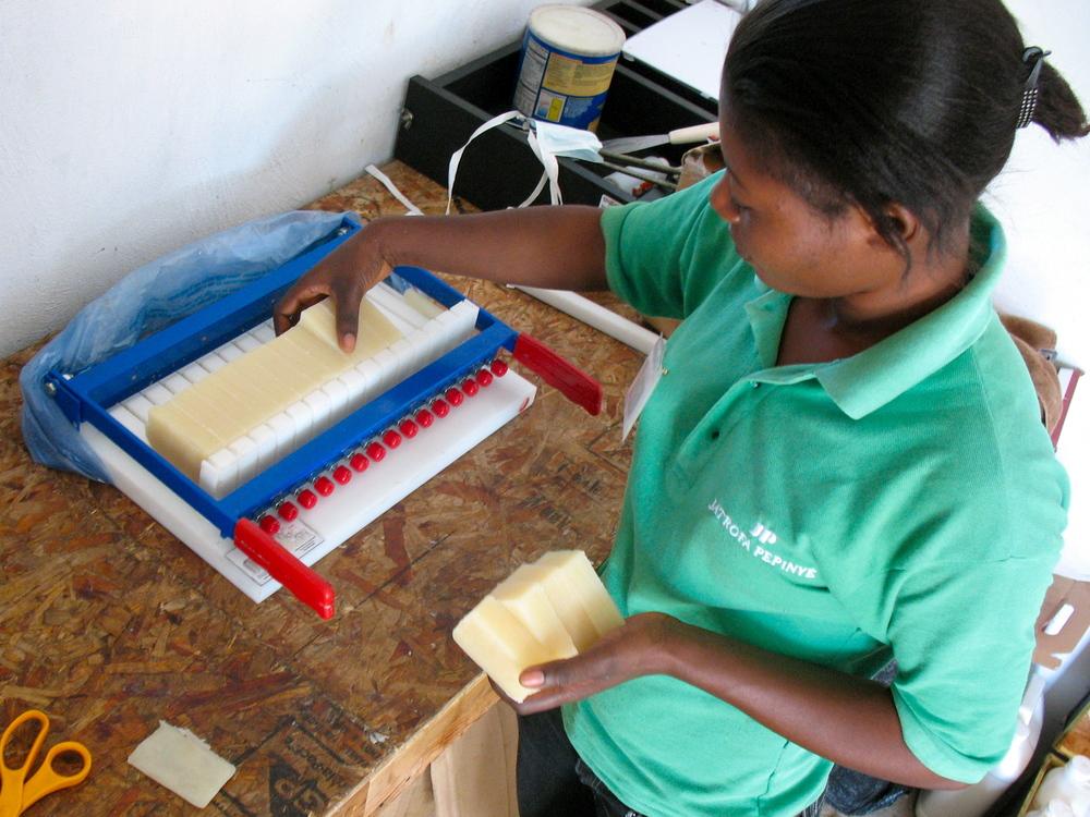 Making soap from Jatrofa oil