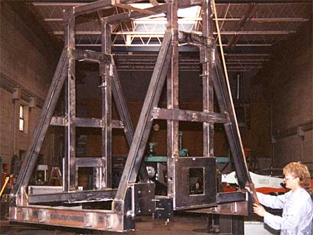 Lift fixture for an automatic retrieval system