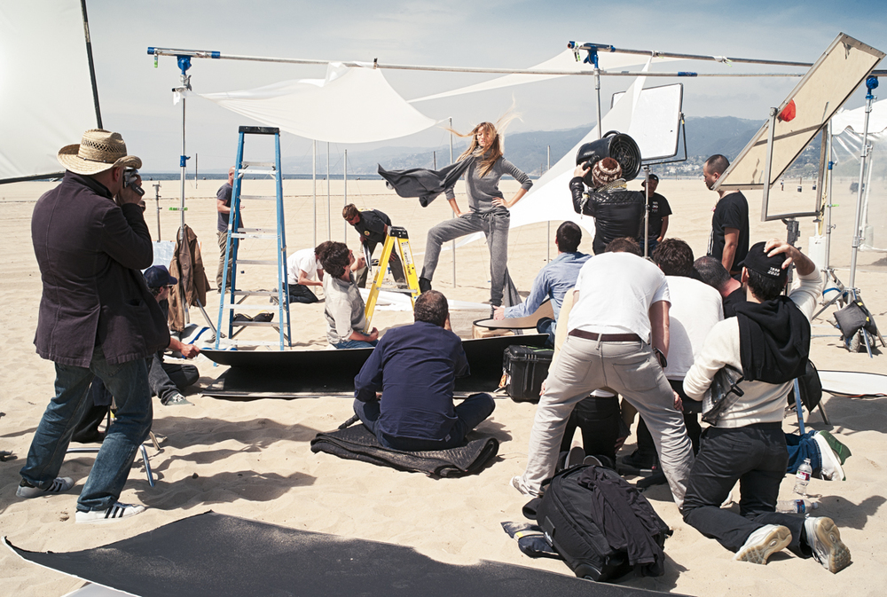 Mario Testino shooting Gisele Bündchen on the Beach in Santa Monica California. Campaign shoot for Italian fashion brand Stefanel. Photograph by fashion film maker Sam Faulkner.