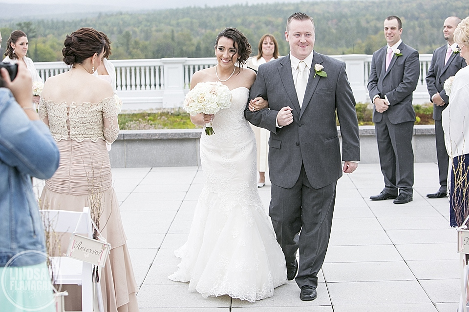Mount_Washington_Hotel_Wedding_Photography_New_Hampshire_Fall_Danielle_Vinnie_14.JPG