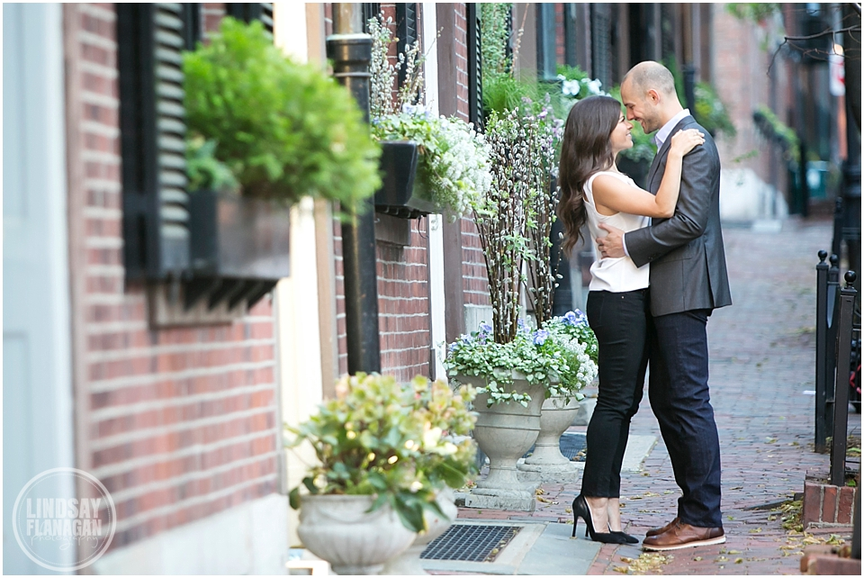 Public-Gardens-Boston-Engagement-Session-Lindsay-Flanagan-Photography_0005.jpg