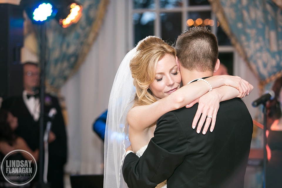 Taj Hotel Boston City Wedding by Lindsay Flanagan Photography | www.lindsayflanagan.com