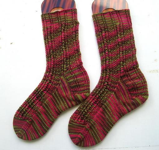 Roobeedoo's Solar Flair Socks.