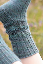 Oleum by Rachel Coopey, knitted using Titus from Baa Ram Ewe. Image © Baa Ram Ewe