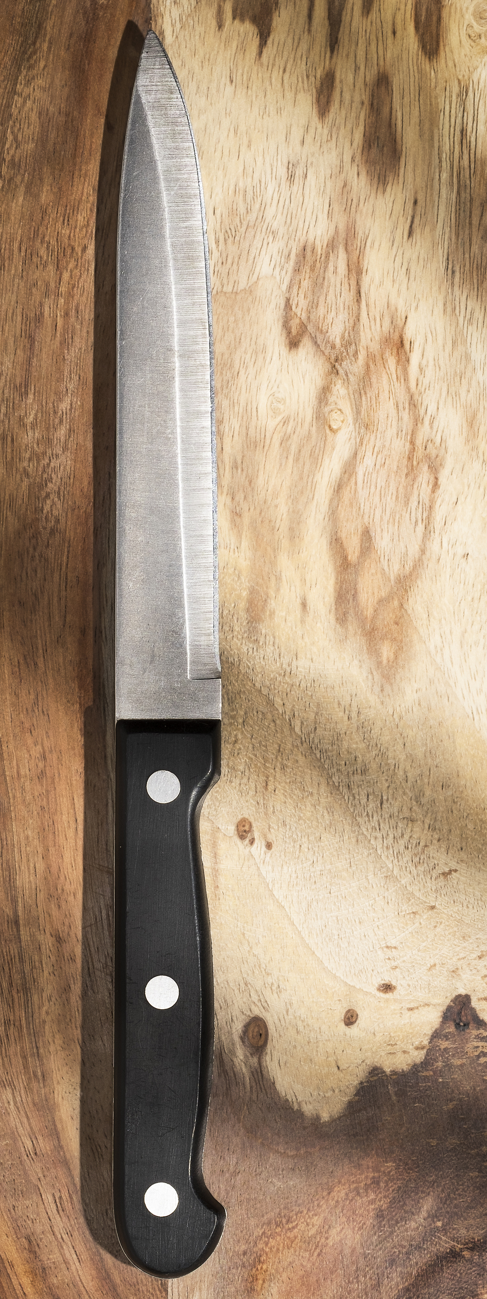 KNIFE AND WOOD-1.jpg