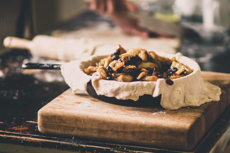 The Longi Pie's Grandma's Pie with spiced apple and cranberries has us in a fall-inspired baking (and eating) mood (photo via  The Longi Pi Shop  via  Facebook )