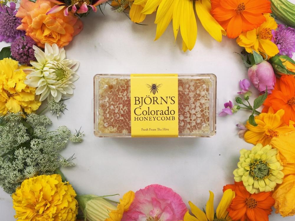 Bjorns Colorado Honey-Comb anf Flowers.JPG