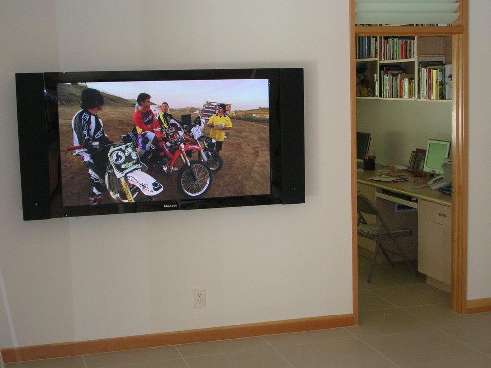 Flat Screen 5.JPG