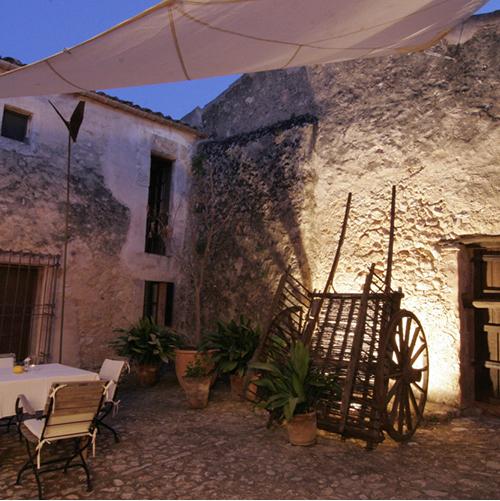 licht-stimmung-patio-finca-hotel-refugio-son-pons-mallorca