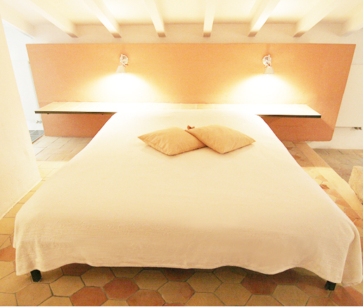großes-doppelbett-suite-junior-finca-hotel-refugio-son-pons-mallorca