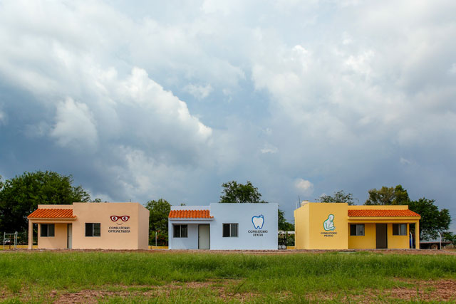 The employee optometry, dental, and health facilities are pictured side by side in Obregón, Sonora, Mexico.  Download high resolution image here.