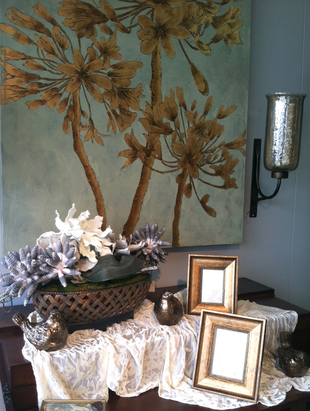 designers on staff assist you with the newest looks in accessories and interiors let us help you create your own unique style in framing and dcor
