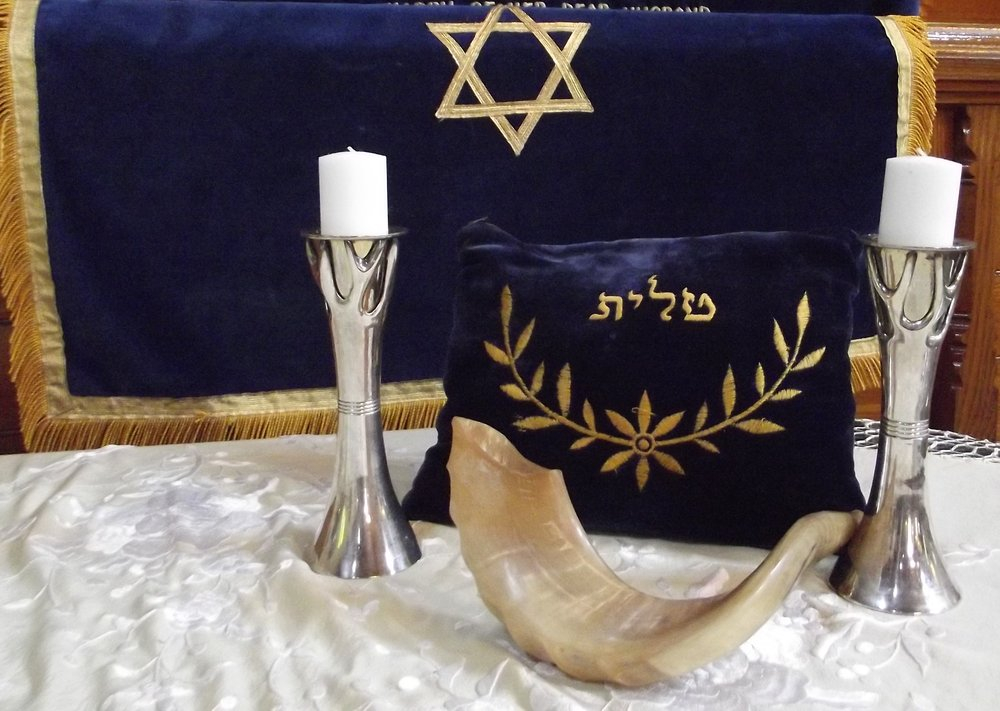 RH_Shofar with Candles.jpg
