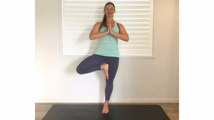 yoga05-tree.jpg