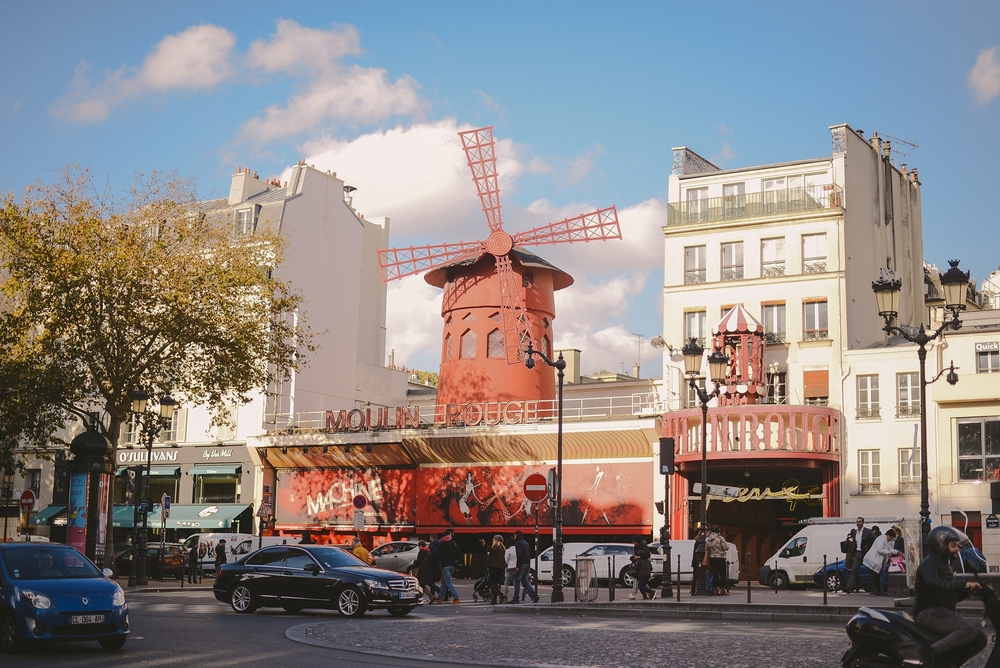 moulin rouge at daytime paris_0001.jpg