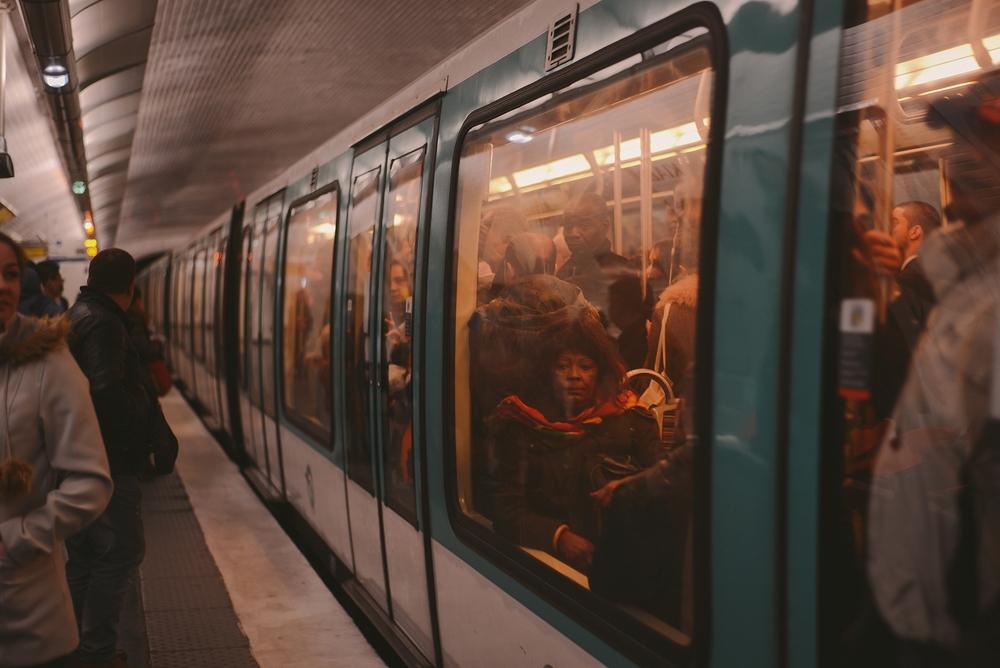 woman in paris metro_0005.jpg