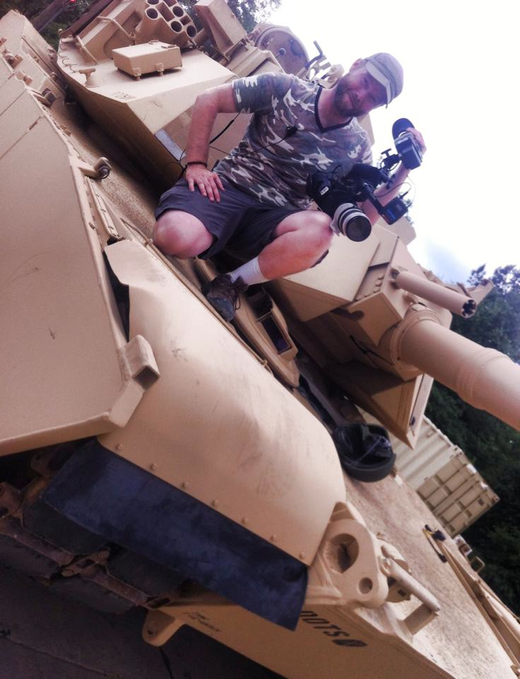 LOUIS UP ON THE M1A1 TANK WITH AN FS700 AND AN ALPHATRON VIEWFINDER