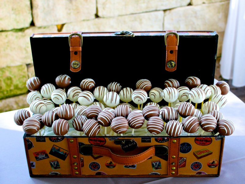 cake-pops-in-trunk-1.jpg